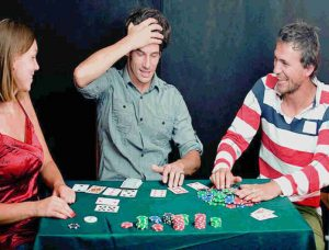 How to Play Poker at a Short Table